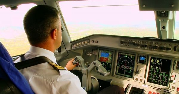 Where Does Pilots Resident in Italy Should Pay Taxes?